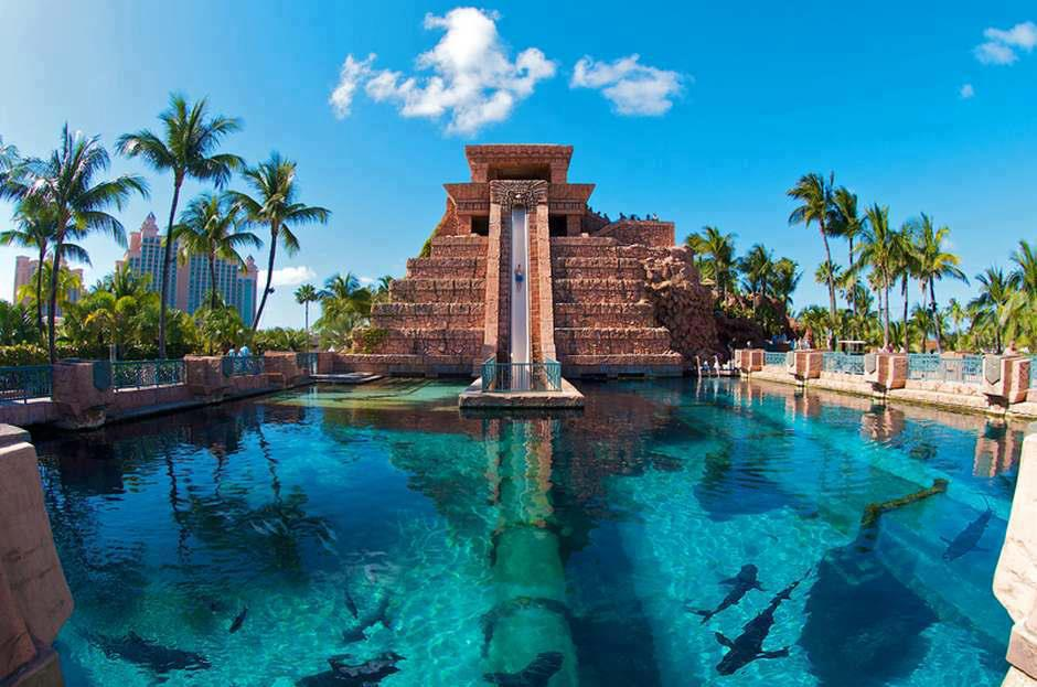 Download this Paradise Island The Bahamas picture