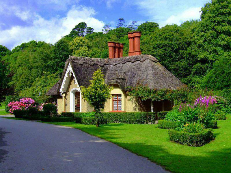 Thatched Cottage in Ireland, and yes, the grass really is that green in Ireland