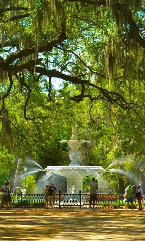 Amazing Fountain ... in Savannah, Georgia
