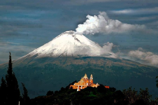 Amazing view of Popocatépetl Volcano, Puebla in Mexico