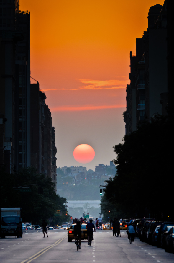 Semiannual occurrence where the sun aligns perfectly with east-west streets of New York, USA