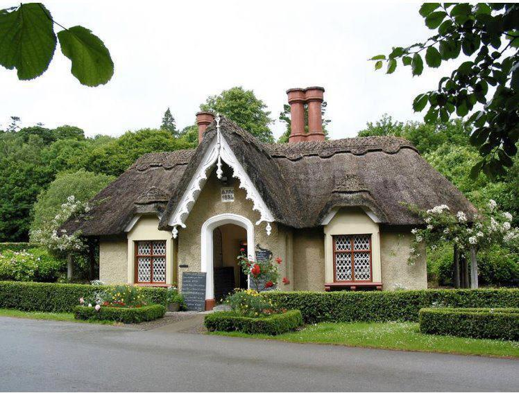 A cottage In Killarney , Ireland