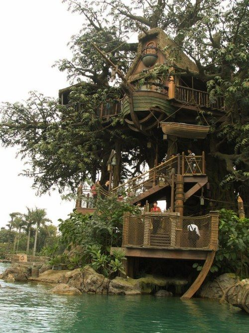 Treehouse by the lake' oh how i wish