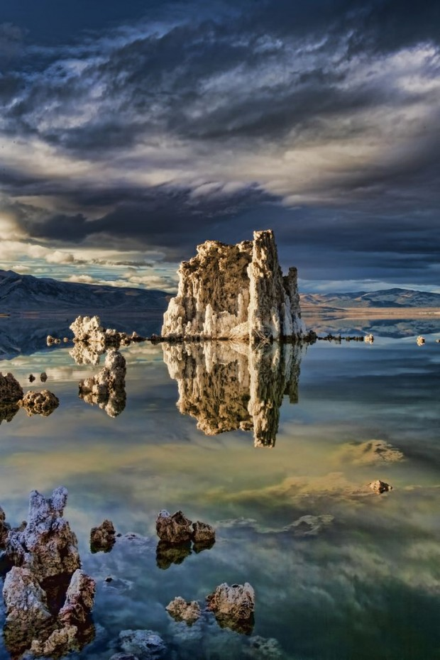 Mono Lake, Eastern Sierras, USA