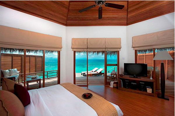 blue-water-bedroom-view